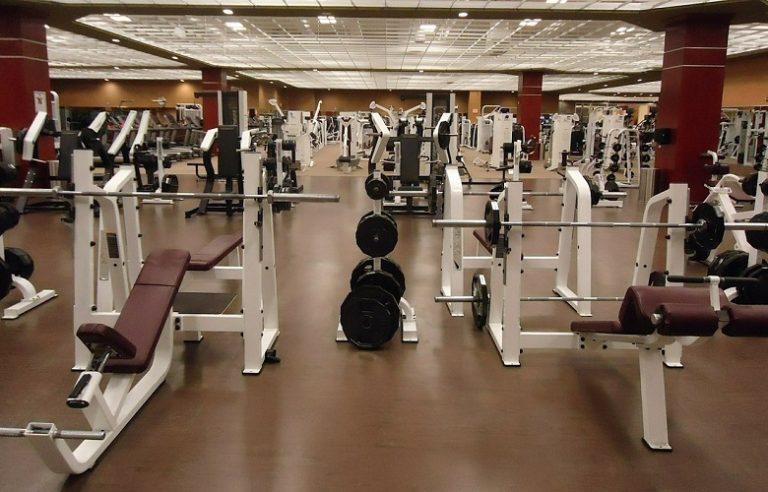 Jak zacząć ćwiczyć na siłowni? 6 kluczowych porad